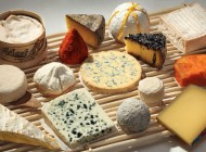 Plateau de fromages et vins de Bordeaux